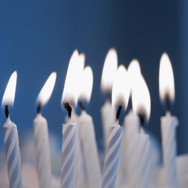 10 lit birthday candles